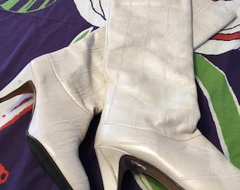 Vintage ivory knee-high 60s 70s Go Go Boots Retro Boot