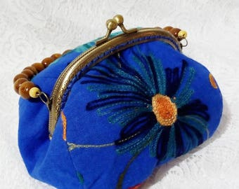 Linen Embroidery Flower Kisslock Bag Clasp Frame Bag Shoulder Bag Blue Purse with wooden beads handle Vintage Bag