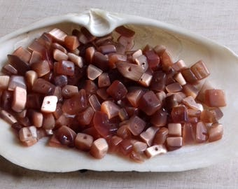 50 beads cat's eye chips 4-8 mm Brown glass
