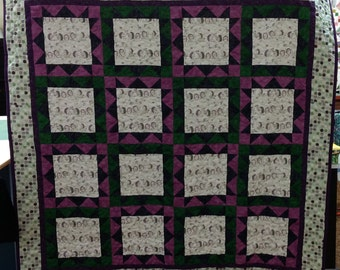 Hedgehog Heaven Quilt. wallhanging purple green polka dots 4396