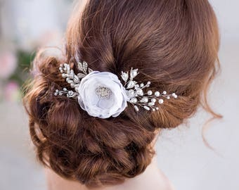 Ivory White Floral Bridal hair comb Wedding hair Flower Headpiece Ivory Bridal hair Flower comb Wedding headpiece Floral hair Accessories