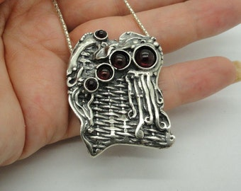 Hadar handcrafted Sterling Silver 925 Garnet Pendent , gift, chain, christmas(H 427DO)