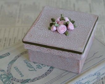 Small Square Romantic Gift Box with Roses, No 1, 7.5 x 7.5cm x 4cm.