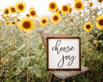 """Choose Joy Wood Sign 