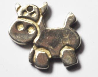 Beautiful Sterling Silver Happy Cow Charm Pendant 16mm