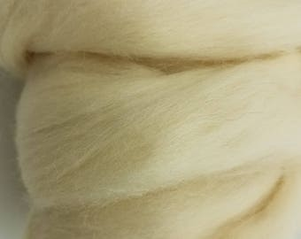 1 pound White Corriedale combed top, roving, spinning fiber, felting fiber, fiber, fibre