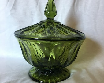 Vintage Anchor Hocking Fairfield avocado lidded round pedistal compote candy nut dish