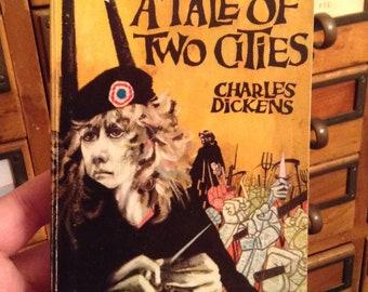 Un conte de deux villes de Charles Dickens, livre Vintage, livre classique, livre de poche, 1965, livre Collector cadeau, livre de Dickens, Londres, Paris
