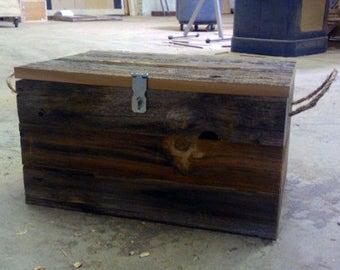 "Barn Wood Wedding Card Box 16"" x 12"" x 10"" . . . (aka rustic wood crate, storage crate, farmhouse chic basket with optional rope handles)"
