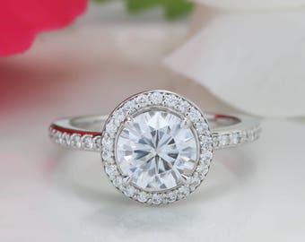 Bague de fiançailles diamant Halo mince et Petite bande de Moissanite