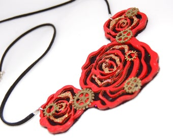 Steampunk style rose necklace