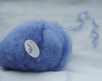 Soft, warm and comfortable to wear as a knit yarn (98%) of kid mohair