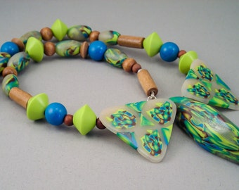 Handcrafted Necklace - Wasabi Green Turquoise Pod Choker No.106