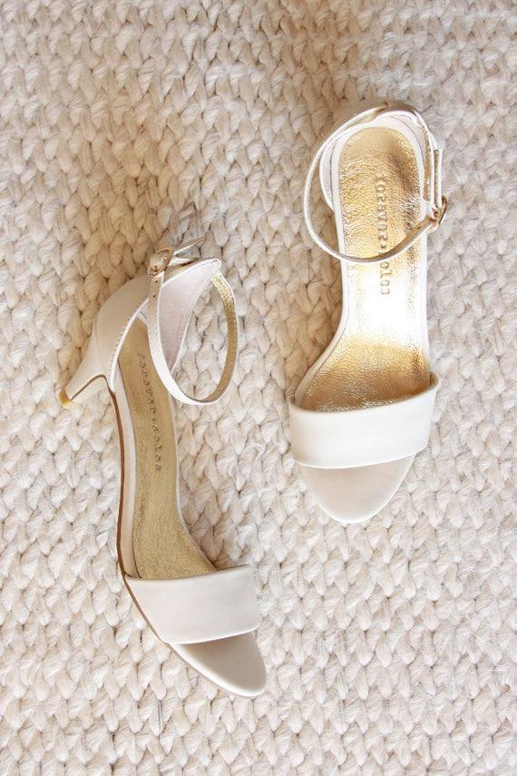 Ladies Ivory low heel wedding shoes. Low heel bridal shoes