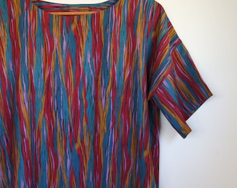 wavy lines...ladies loose fit shift with pockets in vintage fabric