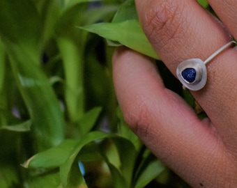 Raw blue Sapphire  Silver stackable ring - Rough Silver Blue Sapphire - Blue Sapphire ring.