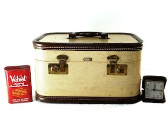 Vintage Train Case Leather Trim Medel Tolietries Train Case