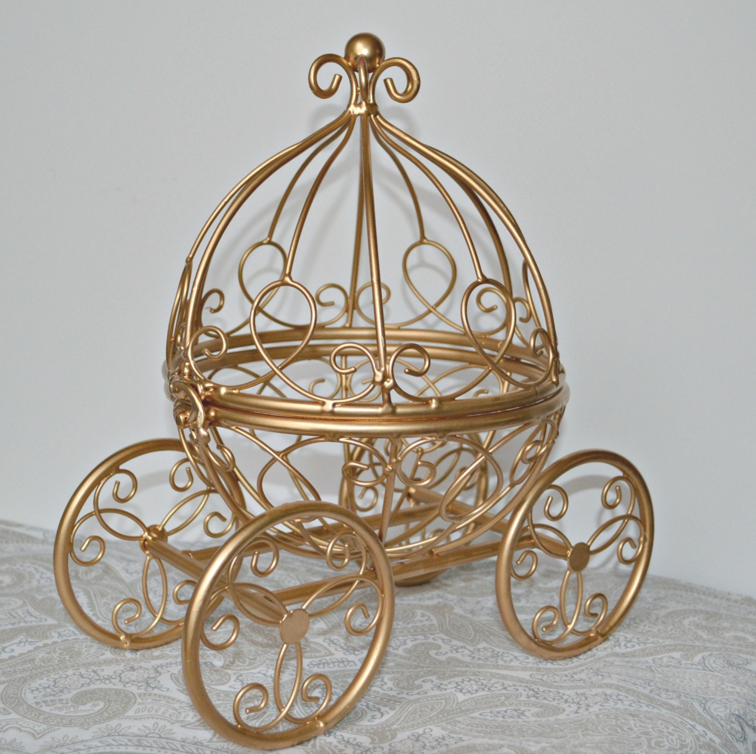 Gold wire cinderella carriage fairytale wedding ball