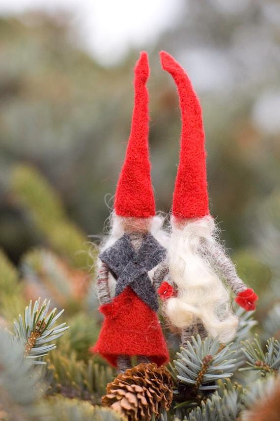 Danish Christmas Elf Couple (dansk julenisser)