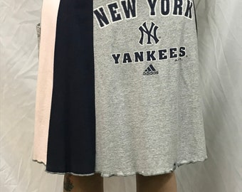 Original T-Skirt | NY Yankees upcycled recycled t-shirt skirt + pocket | Size L