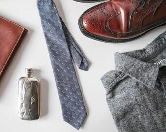 Blue skinny tie, chambray tie, denim tie, blue necktie, chambray necktie, chambray skinny tie, wedding necktie, men's tie, custom tie