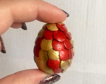Dwarf Dragon Egg - Red and Gold