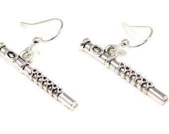Flute Earrings, Flute Jewelry, Silver Flute Earrings, Flute Gift, Flautist Gift, Flutist Earrings, Woodwind Earrings, Music Earrings - E104