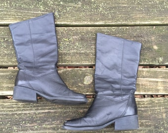Size 5 Black Leather Heel Mid Calf Tall Riding Boot Made in Uruguay Naturalizer Women's Vintage Boots