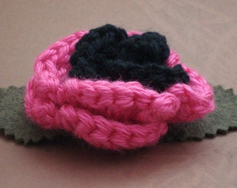 Crocheted Rose Bar Pin - Hot Pink and Black (SWG-PS-ZZ07)