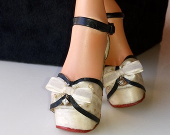 Truffled Hills) white chocolate truffle heels - made to fit Iplehouse nYID girls with heel feet and other SD 60cm bjd with same sized feet