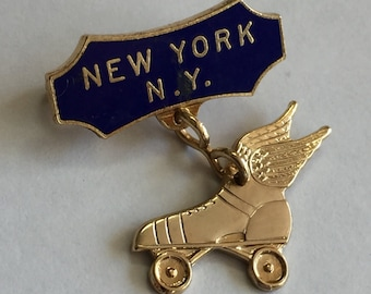 Vintage 1940's New York Winged Roller Skates Souvenir Pendant Lapel Pin, Roller Derby Jewelry, NYC Roller Skates, Roller Con Jewelry