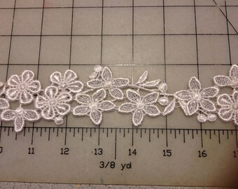Light Ivory Venice Lace Trim for Bridal, Apparel or Crafts   Item #2613