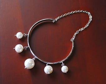 Romee Pearl Bracelet, Bridal Bangle, Pearl Cuff, Modern Wedding Bracelet, Bridal Bracelet Cuff, Bridesmaid Jewelry Gift, Pearl Bracelet