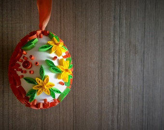 Easter quilling egg/Real eggshell with quilling elements/Red easter egg