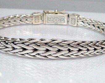 Bracelet woven chain 925 sterling silver,middle bigger than ending ,Unique and rare