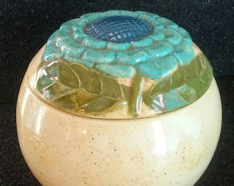 Vintage ceramic trinket bowl with lid