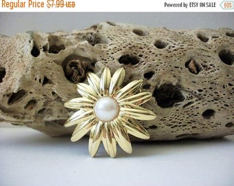 ON SALE Vintage 1950s Birght Gold Tone Faux Pearl Floral Pin 72116