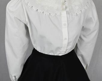 70s Pearl and lace oversized peter pan collar romantic white blouse with full sleeves size M