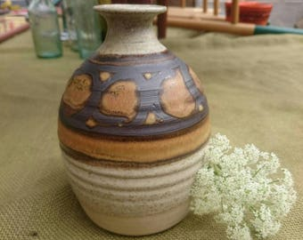 STUDIO POTTERY VASE: Tear drop shaped, hand thrown vase.