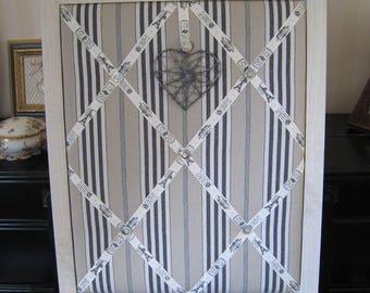 Memory frame colors, ecru linen, black stripes fabric