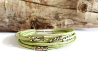 MULTISTRAND green leather and silver filigree bracelet