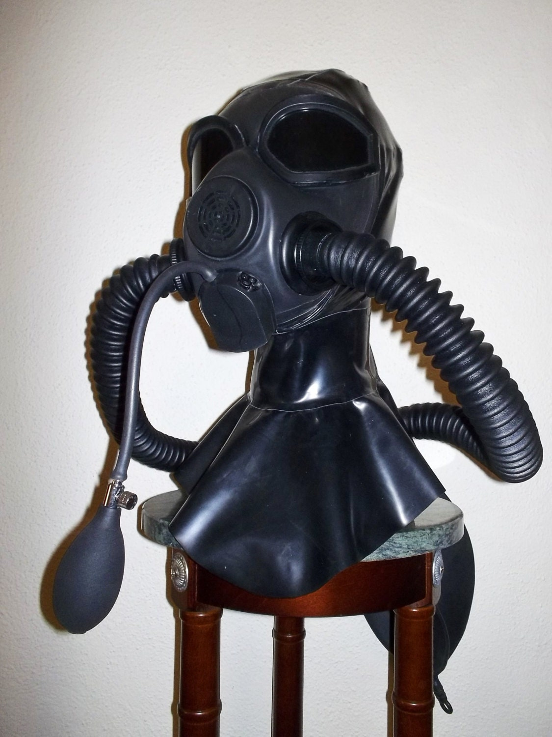 fetish heavy rubber latex m45 gas mask hood w   tinted lens