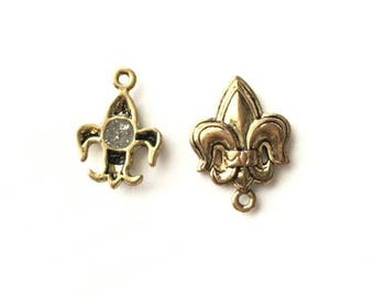 Magnet Clasp - fleur de lys clasps.  Very unusual clasp . Brass antiqued clasps  Only 2 left