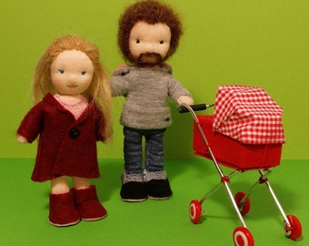 Waldorf-inspired dollhouse family, tiny family including mother, father, a baby and her stroller, 11-13 cm