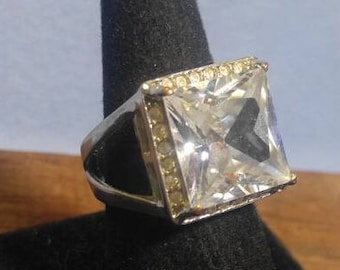 Large Sparkling, Colorful Square Cut Stone surrounded by Rhinestones Ring, Silvertone size 8