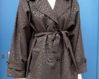 Vintage Trench Coat , Black trench coat  Size medium