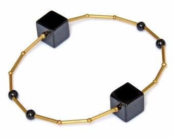 Black gemstone bracelet with onyx-minimalist design-geometric bracelet-gemstone bracelet-Nora