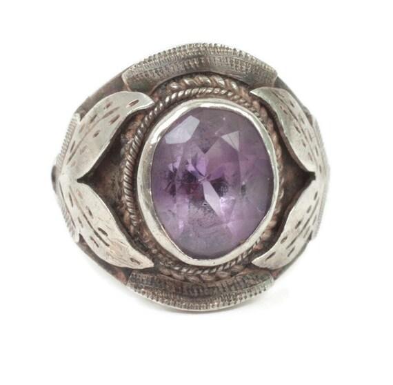 Amethyst and Sterling Ring Leaf Detail Size 7 Boho Unisex Vintage Ring