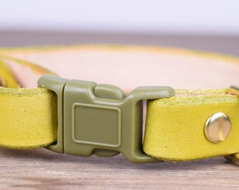 Adjustable Moss Green Leather Cat Collar - Safety Breakaway Leather Cat Collar - Brass