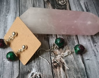 Earrings or earrings with real pearls of red ruby and Green Zoisite